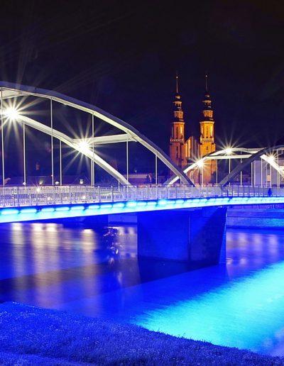 Most z Katedrą w tle